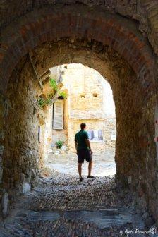 passage Bussana Vecchia