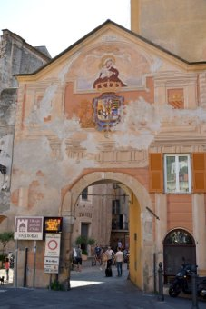 another entrance to Finalborgo