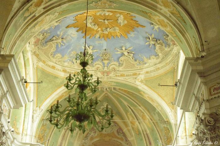 Laigueglia church interiors