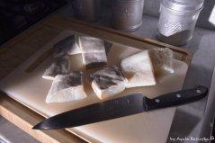 cutting baccala