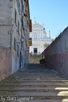 climbing to Villa Durazzo
