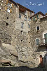 houses on rocks Triora