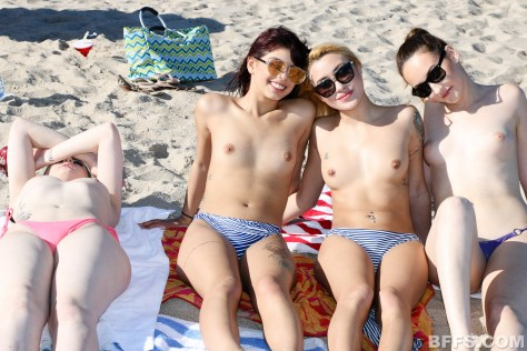 06-topless-tanning