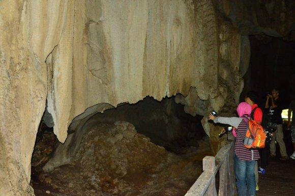 curtain wind cave