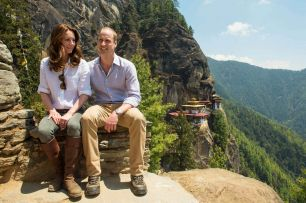 The-Duke-and-Duchess-of-Cambridge-during-their-hike-to-the-Tigers-Nest-Monastery