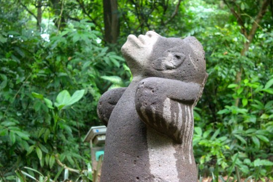 Olmec Monkey looking at the sky