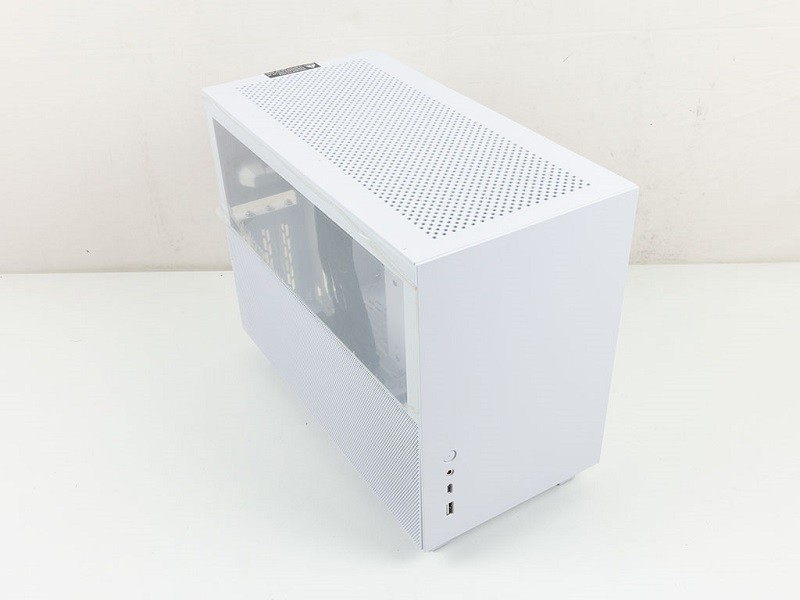 Like Sharp Clean Lines On Your Case? Check The Lian Li Q58 7