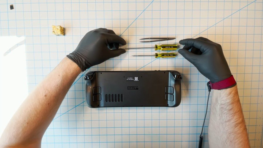 Poll: Official Hardware Teardown Videos Are Becoming Increasingly Common, Should Nintendo Also Be Doing It? 1
