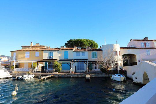 maison avec terrasse port grimaud 83