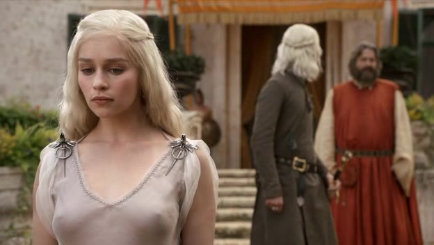 Game-of-Thrones-Season-1-Episode-1-32-f303