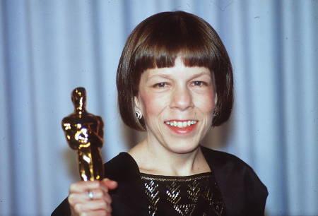Linda Hunt at the Oscars. Photo Paul Harris/Online USA, Inc.