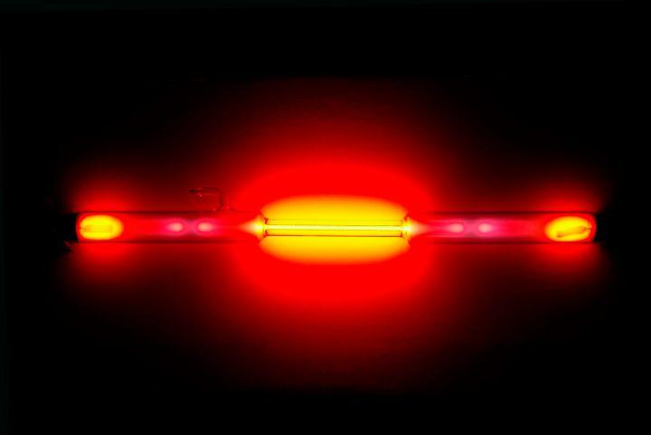 Neon_discharge_tube.jpeg