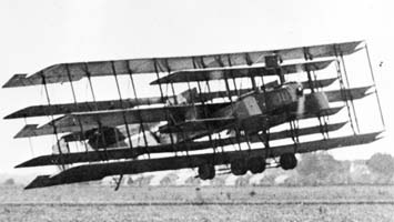 Johns_Multiplane_flying_circa_1919.jpg