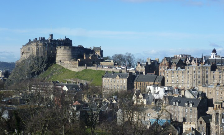 Edinburgh_Castle_from_the_south_east.JPG