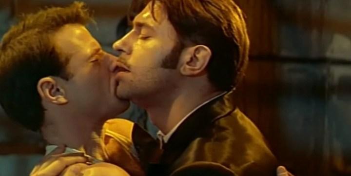 Act 2. Gil kiss 2