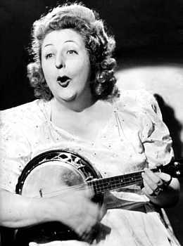 Tessie_o_shea-Gibson-UB3-ukulele-banjo