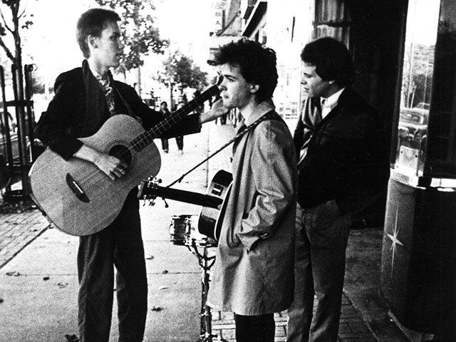 Music-Violent-Femmes-1982-12152016