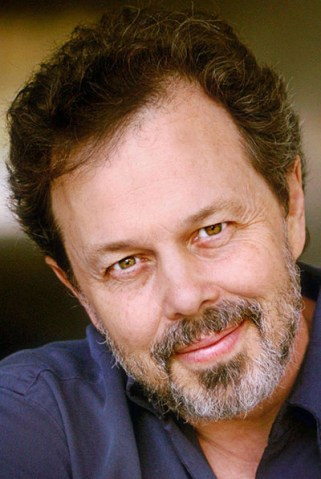Curtis Armstrong_i