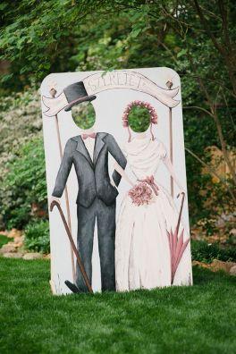 Dekor na svadbe - fotozona i zona pogelaniy (125)
