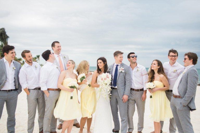 Выбираем образы подружек невесты и друзей жениха