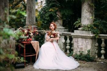Вкус осени: стилизованная фотосессия в цвете марсала