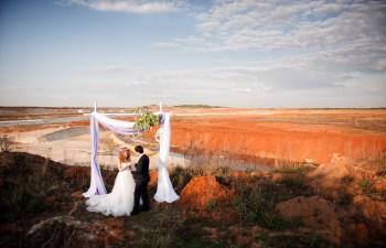 Песчаные горы и закат: стилизованная фотосессия Вадима и Елены