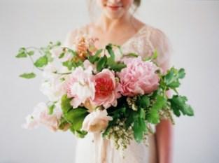 Подготовка к свадьбе: что сделать самим, а что доверить профессионалам?