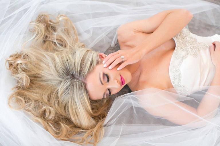 Прическа и вырез платья: выбираем идеальное сочетание