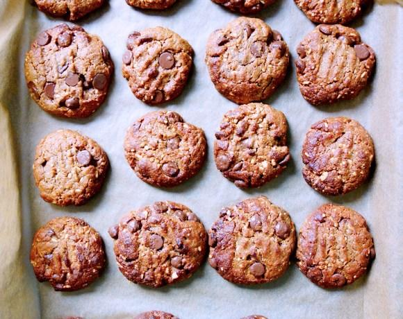 Flourless Crunchy Peanut Butter Choc Chip Cookies