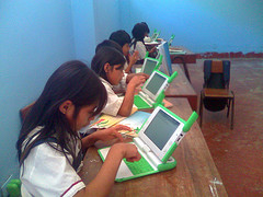 What the Report on Peru's OLPC Program Really Means e-Reading Hardware