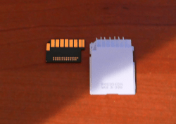 Here's What's Inside an SD Card e-Reading Hardware