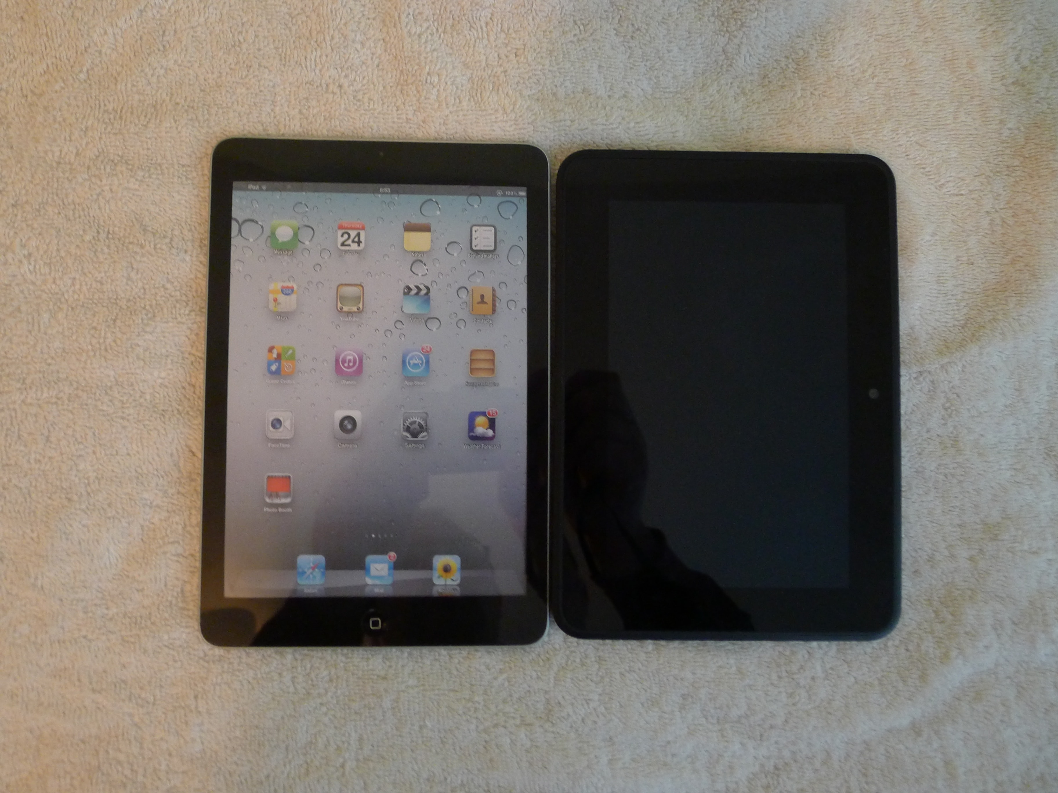 ipad mini shows up in the stock system for a german. Black Bedroom Furniture Sets. Home Design Ideas