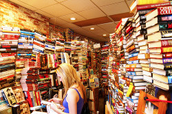 """Could Facebook Replace Amazon as """"Earth's Biggest Bookstore""""? Amazon Web Publishing"""