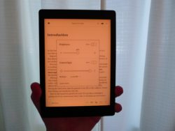 Hands On With Kobo Aura One Night Mode (video) e-Reading Hardware Kobo Reviews
