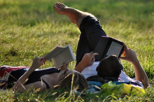 Guest Post - Reading with Your Children: Proper Books vs Tablets Social reading