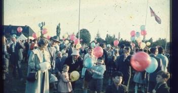 """""""Tag des Kindes"""", Ballonwiese im Volksgarten ca. 1960"""