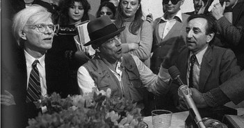Beuys und Warhol 1980 in der Galerie Lucio Amelio, Neapel