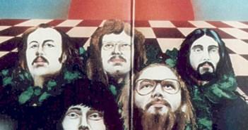 Houschäng auf dem Cover eines Eiliff-Albums