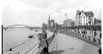 Als das untere Rheinwerft noch zum Düsseldorfer Hafen zählte (ca. 1925 - Foto: bilderbuch-duesseldorf.de)
