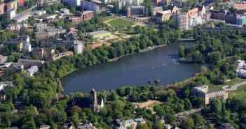 So grün ist Chemnitz rund um den Schlossteich (Foto: Wikimedia)