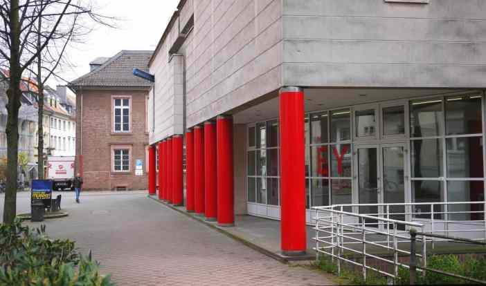 Die Fassade des Erweiterungsbaus an der Berger Allee