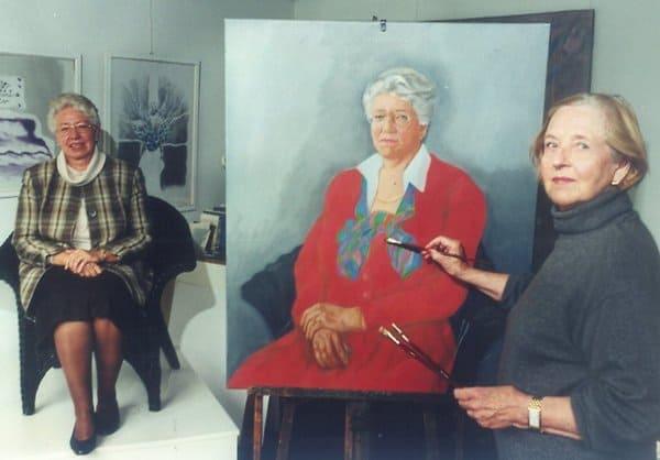 Die Künstlerin Janet Brooks-Gerloff porträtiert Marlies Smeets