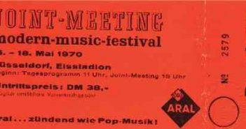 Eine Original-Dauerkarte für das Joint Meeting
