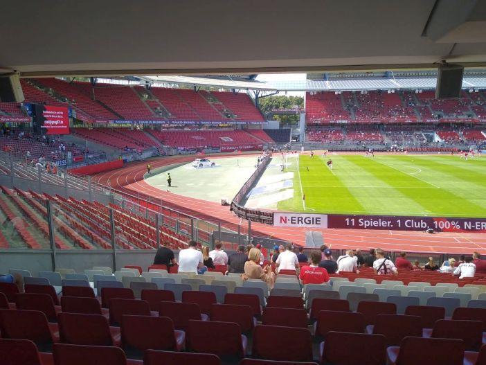 Nürnberg vs F95: Noch leer, das Max-Morlock-Stadion (Foto: H. Kendelbacher)