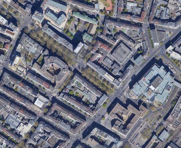 Unter der Allee in der Bildmitte verläuft der Blindtunnel (Google-Map)