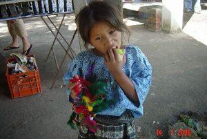 Tourism stories: Little girl in Panajachel Lago Atitlán (Guatemala)