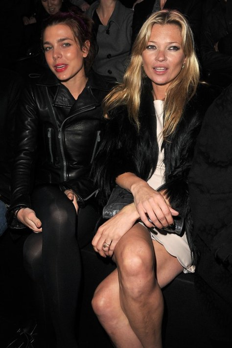 She Even Goofs Off With Kate Moss