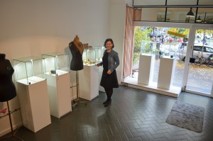 Birgit Schlemmer in Ihrer Galerie - The Fair Traders