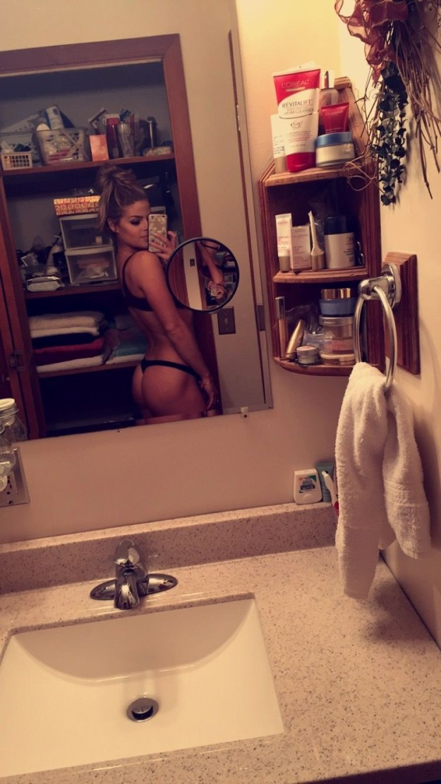 Valerie-Pac-Leaked-Fappening-24-thefappening.us