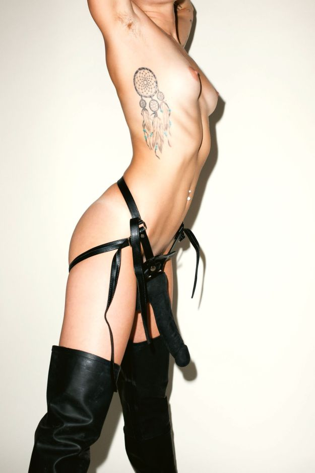 Miley Cyrus nude leaked abused by Terry Richardson